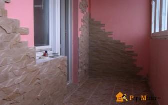 вариант отделки балкона и способ его остекления