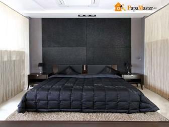 дизайн узкой спальни в черно-белых тонах