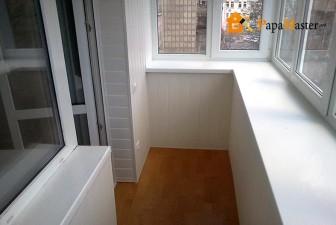 обшивка балкона пластиковыми панелями фото 1