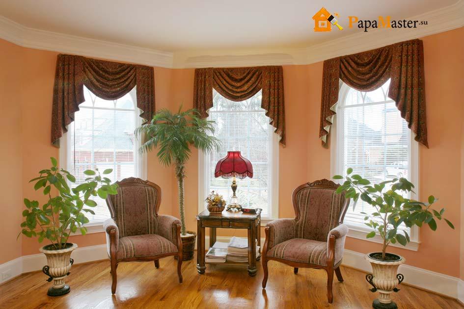 гостиная с камином в классическом стиле фото