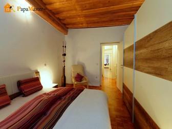 узкая спальня в квартире