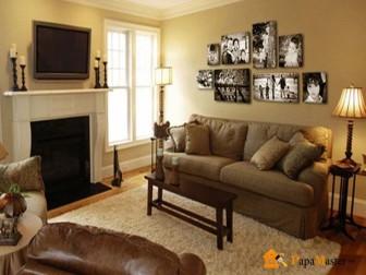 стена с фотографиями в интерьере гостиной