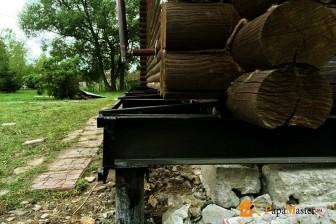 ремонтом фундамента деревянного дома сваями