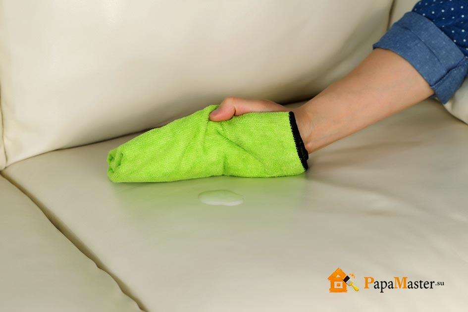 Чем очистить диван от мочи в домашних  583