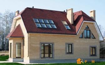 дом с полувальмовой крышей